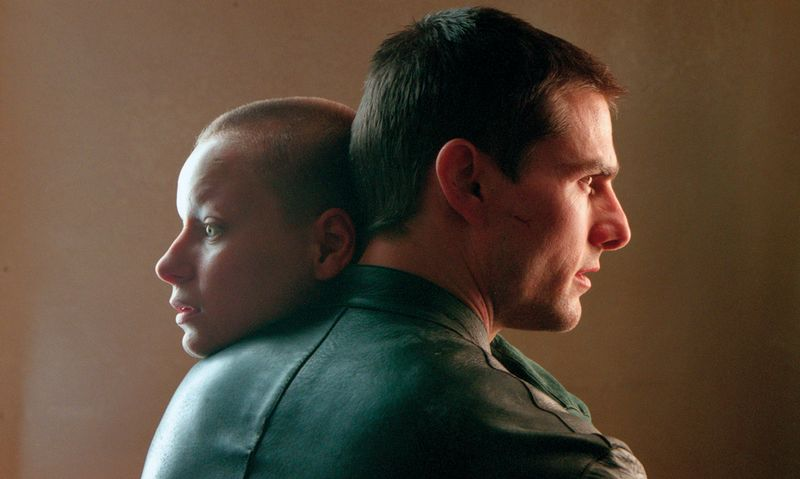 Minority-Report-movie-image-Tom-Cruise